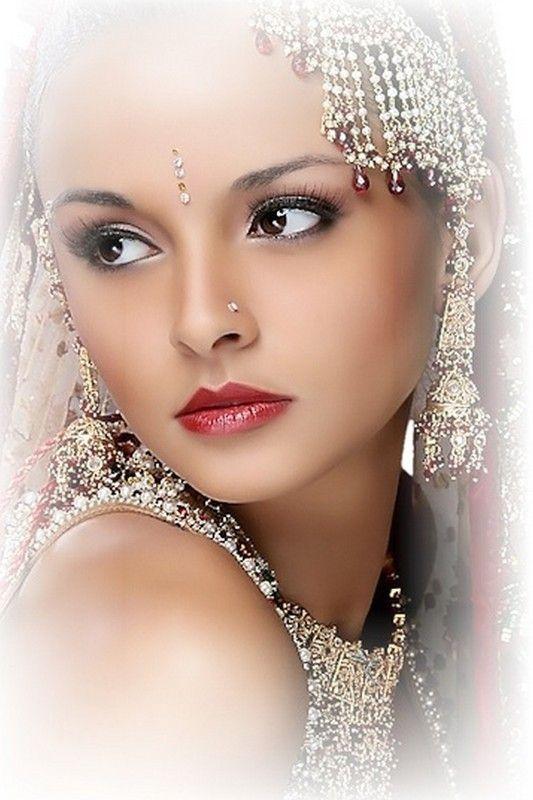 ===La mujer, un bello rostro...=== 14cf6248